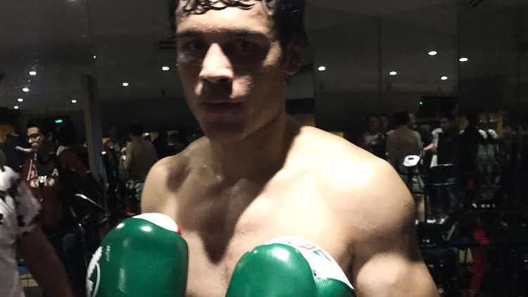 Julio César Chávez Jr. Testing Hayabusa Boxing Gloves Before Canelo