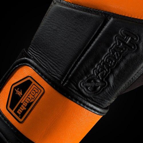 Tokushu Regenesis Gloves
